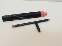 MAC  Lip Pencil -  Girl Friend    1.45 g /.05 oz  (BNIB)