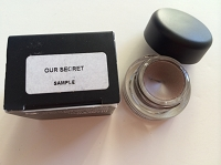 MAC Fluidline Eye-liner Gel - Our Secret  3 g / 0.1 oz (Boxed and marked sample)