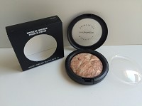 MAC Mineralize Skinfinish - Naturally Enhanced